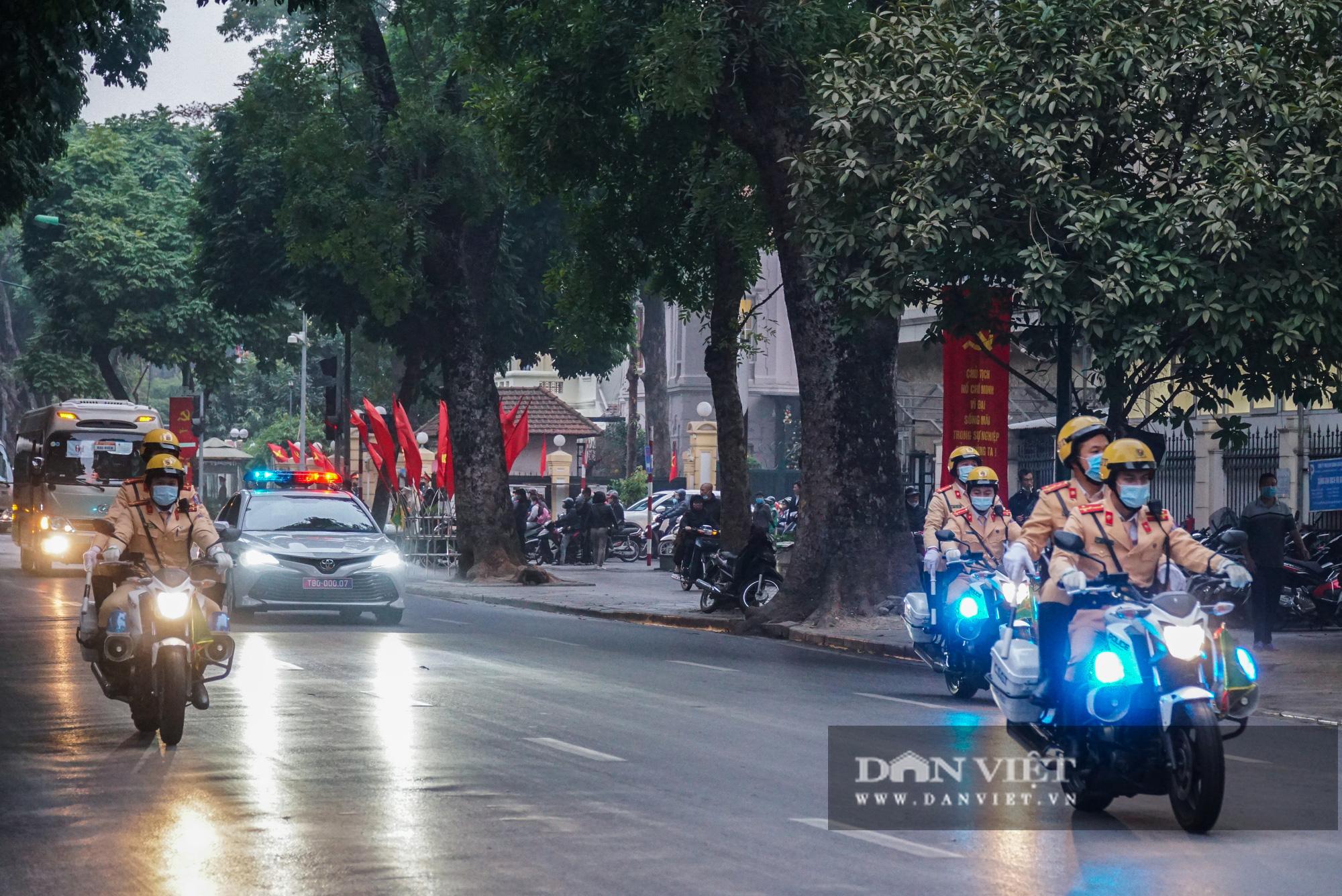 Hình ảnh đoàn xe đại biểu từ Lăng Bác về Trung tâm Hội nghị Quốc gia - Ảnh 5.