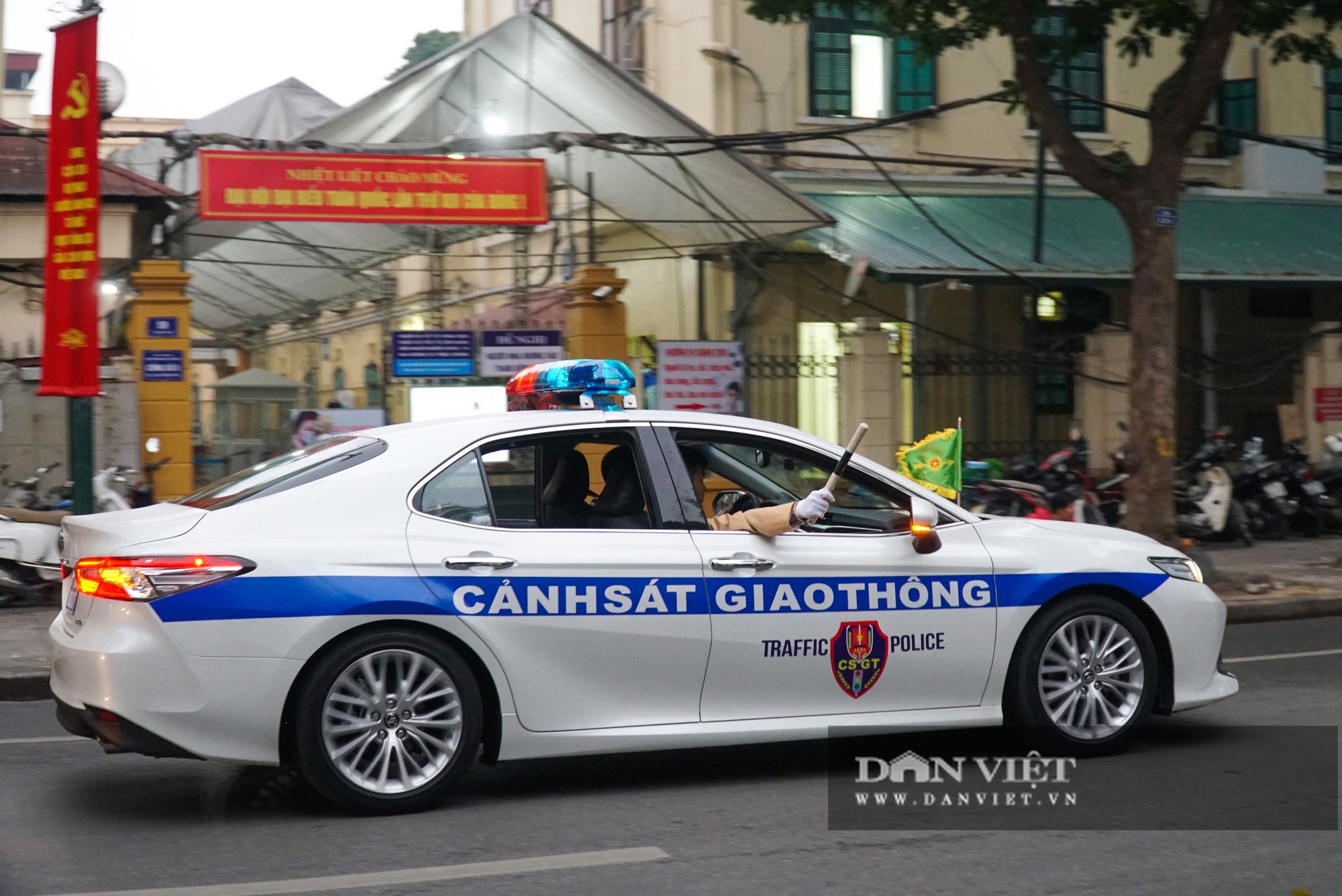 Hình ảnh đoàn xe đại biểu từ Lăng Bác về Trung tâm Hội nghị Quốc gia - Ảnh 6.