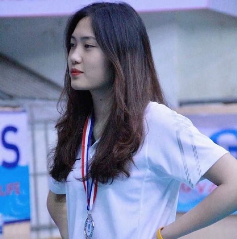 """""""Hot girl"""" bóng chuyền Trần Việt Hương: Cao 1m78, thiếu úy tuổi 21 - Ảnh 4."""