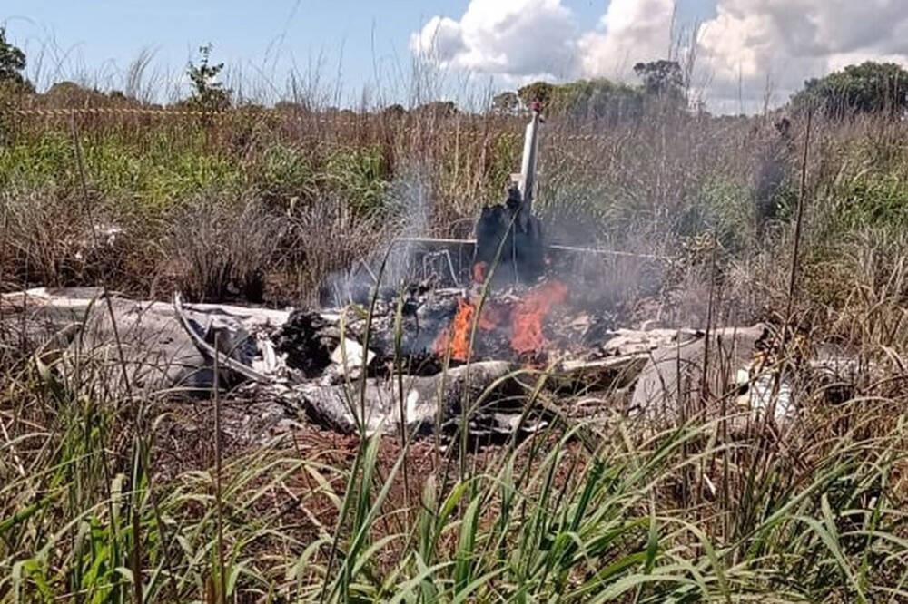 Tai nạn máy bay thương tâm, ông chủ và 4 cầu thủ thiệt mạng - Ảnh 1.