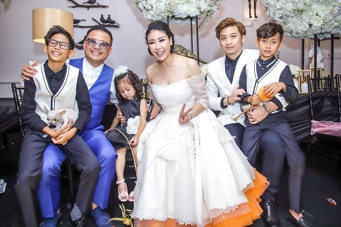 Cuộc đời truân chuyên của ba hoa hậu Việt sinh năm 1976 - Ảnh 2.