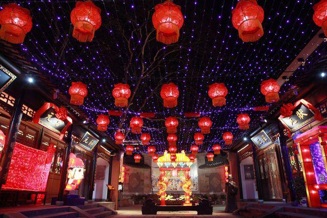 Rực rỡ sắc màu với lễ hội đèn lồng Tần Hoài trong dịp Tết Nguyên Đán - Ảnh 5.