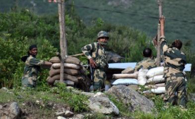 Trung Quốc nói gì về tin 20 binh sĩ bị thương vì đụng độ với Ấn Độ? - Ảnh 1.