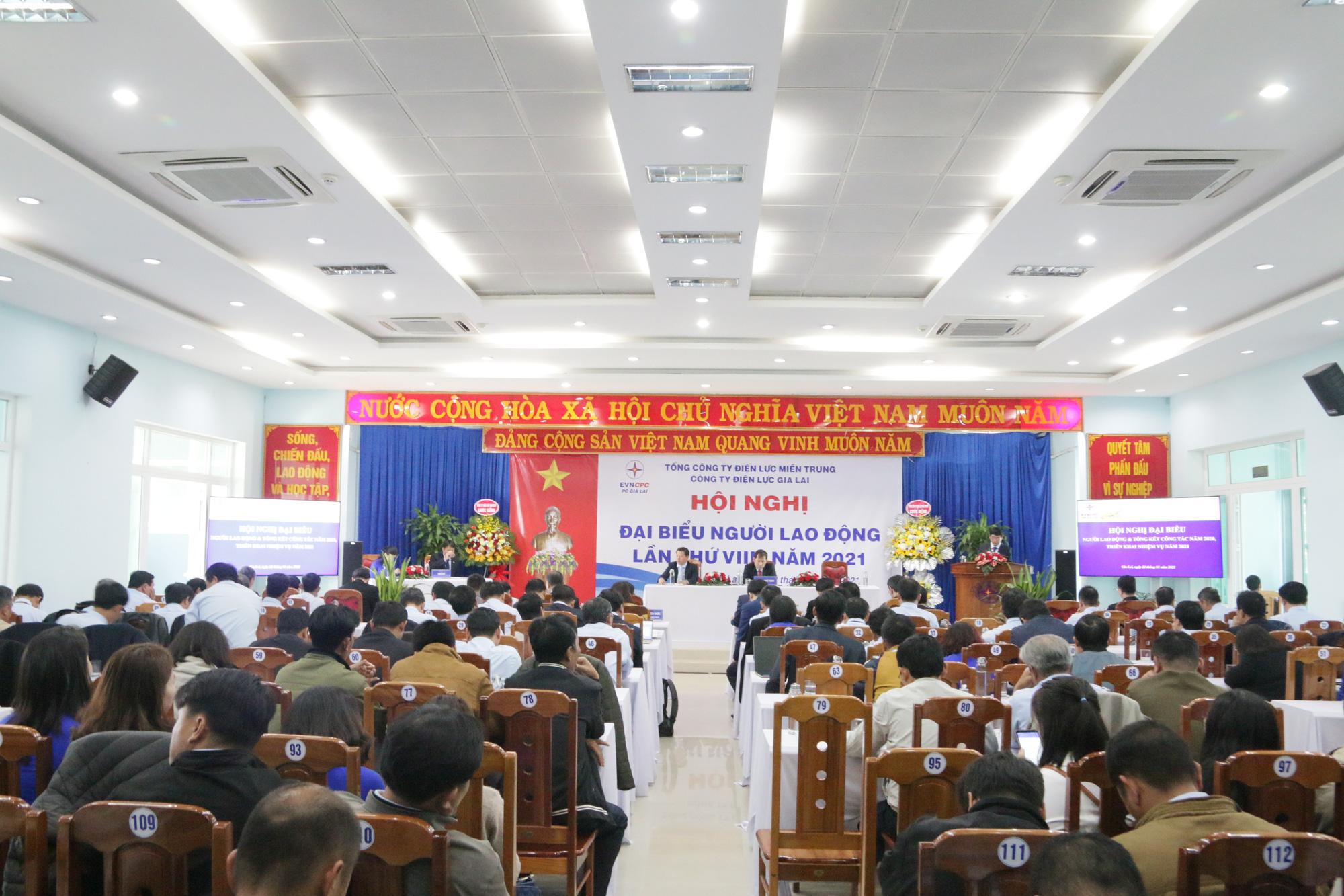 Công ty Điện lực Gia Lai: Tổ chức Hội nghị đại biểu người lao động và triển khai nhiệm vụ năm 2021 - Ảnh 2.