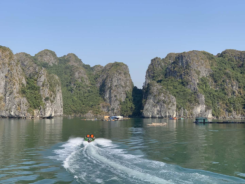"""Tour du lịch Tết: Vịnh Lan Hạ, Cát Bà - """"Thiên đường bị bỏ quên"""" - Ảnh 4."""