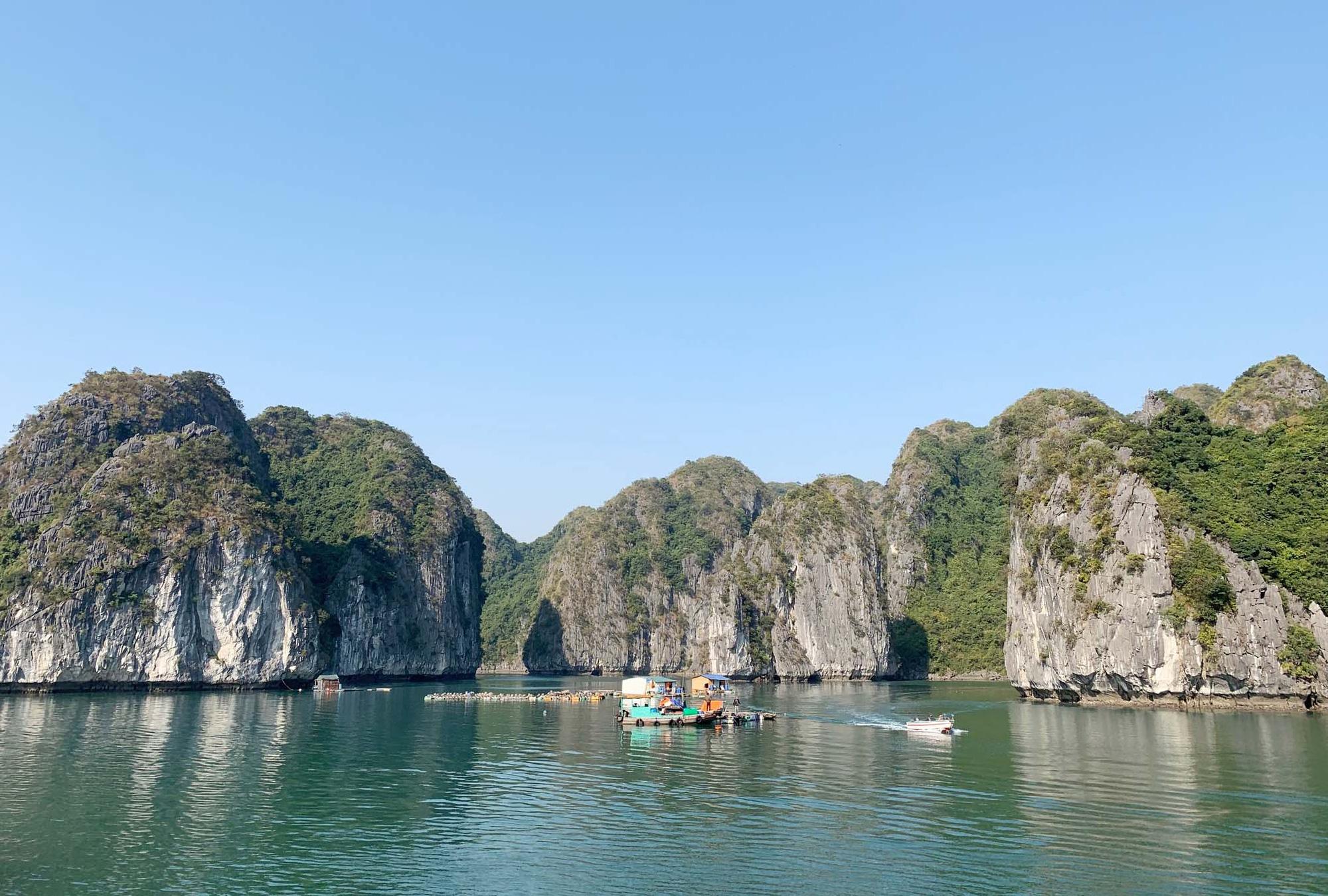 """Tour du lịch Tết: Vịnh Lan Hạ, Cát Bà - """"Thiên đường bị bỏ quên"""" - Ảnh 11."""