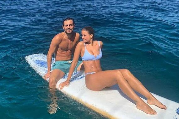 Bernardo và bạn gái Tomaz.