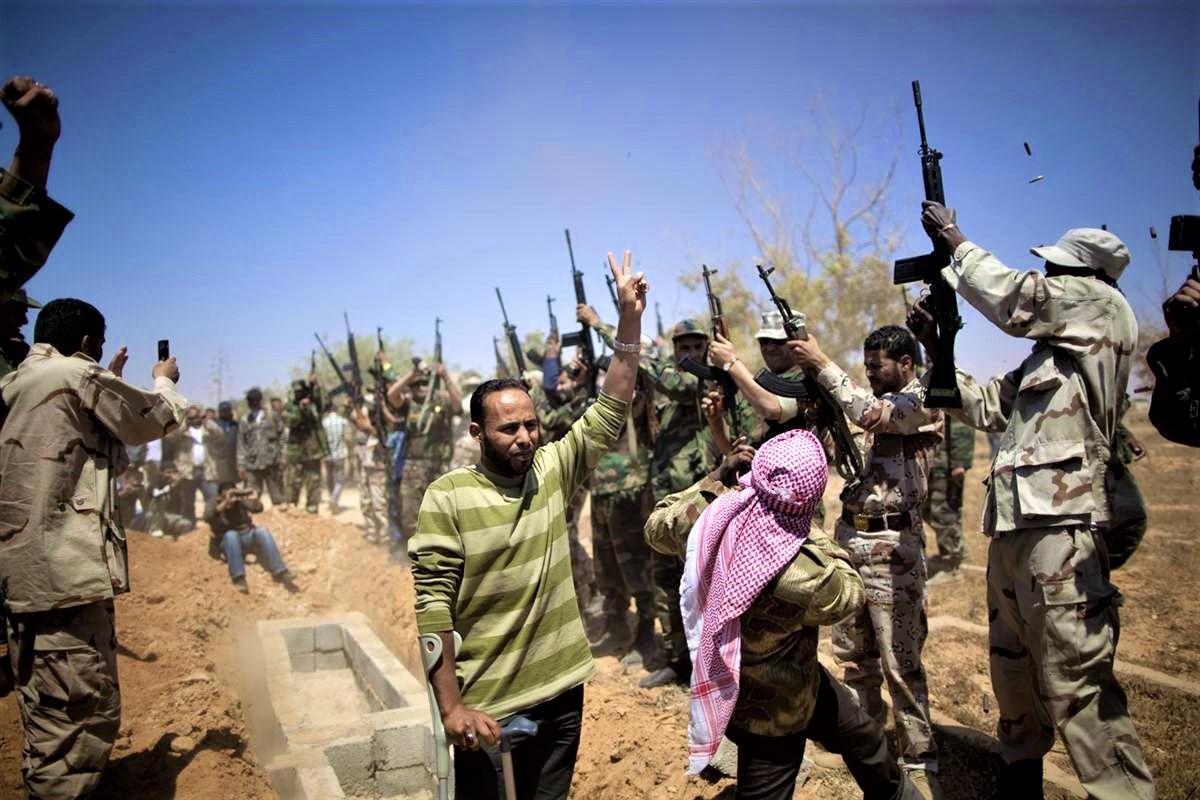 Nhà lãnh đạo Lybia Gaddafi từng muốn trả bao nhiêu để có vũ khí nguyên tử? - Ảnh 3.
