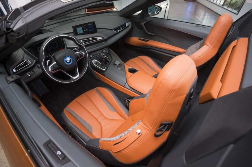 Siêu xe BMW i8 mà thủ môn Bùi Tiến Dũng vừa tậu có gì đặc biệt? - Ảnh 5.
