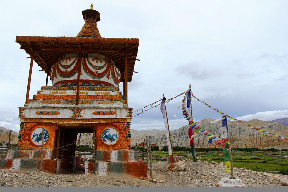 Lạ lùng bộ tộc có anh em một nhà lấy chung vợ ở Tây Tạng - Ảnh 1.