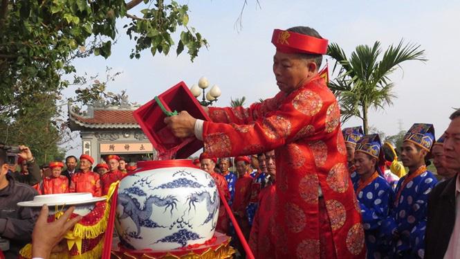 Nam Định thông báo dừng lễ hội khai ấn đền Trần: Sự cẩn trọng hợp lý trong tình hình dịch Covid-19 - Ảnh 3.