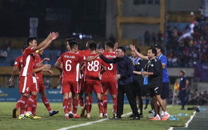 HLV Trương Việt Hoàng cần những trận thắng ở V.League để giảm bớt áp lực trong mùa giải 2021.