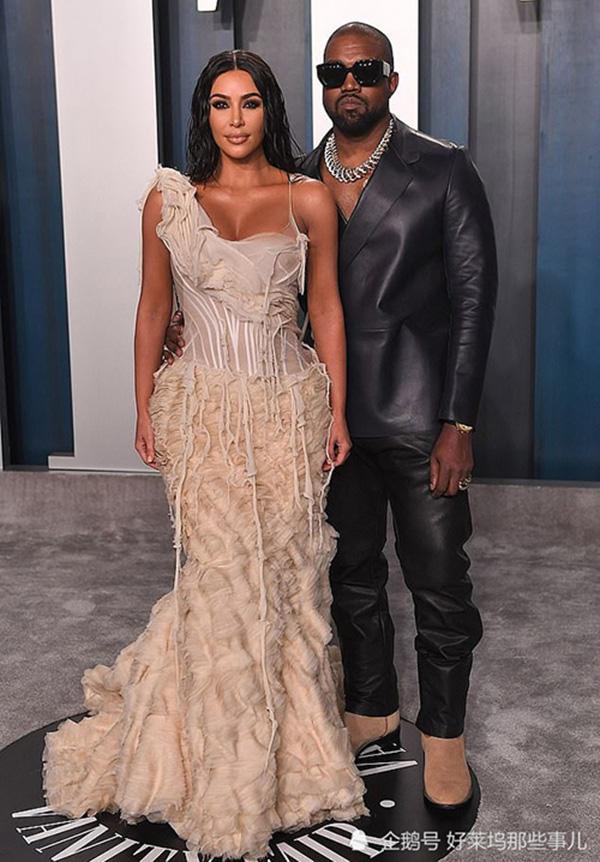 """Vũ khí bí mật nào để Kim Kardashian """"cưa đôi"""" tài sản với chồng - Ảnh 2."""