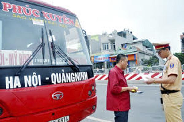 Những phương tiện vận tải nào từ Hà Nội đến Quảng Ninh phải tạm dừng vì Covid-19 - Ảnh 1.