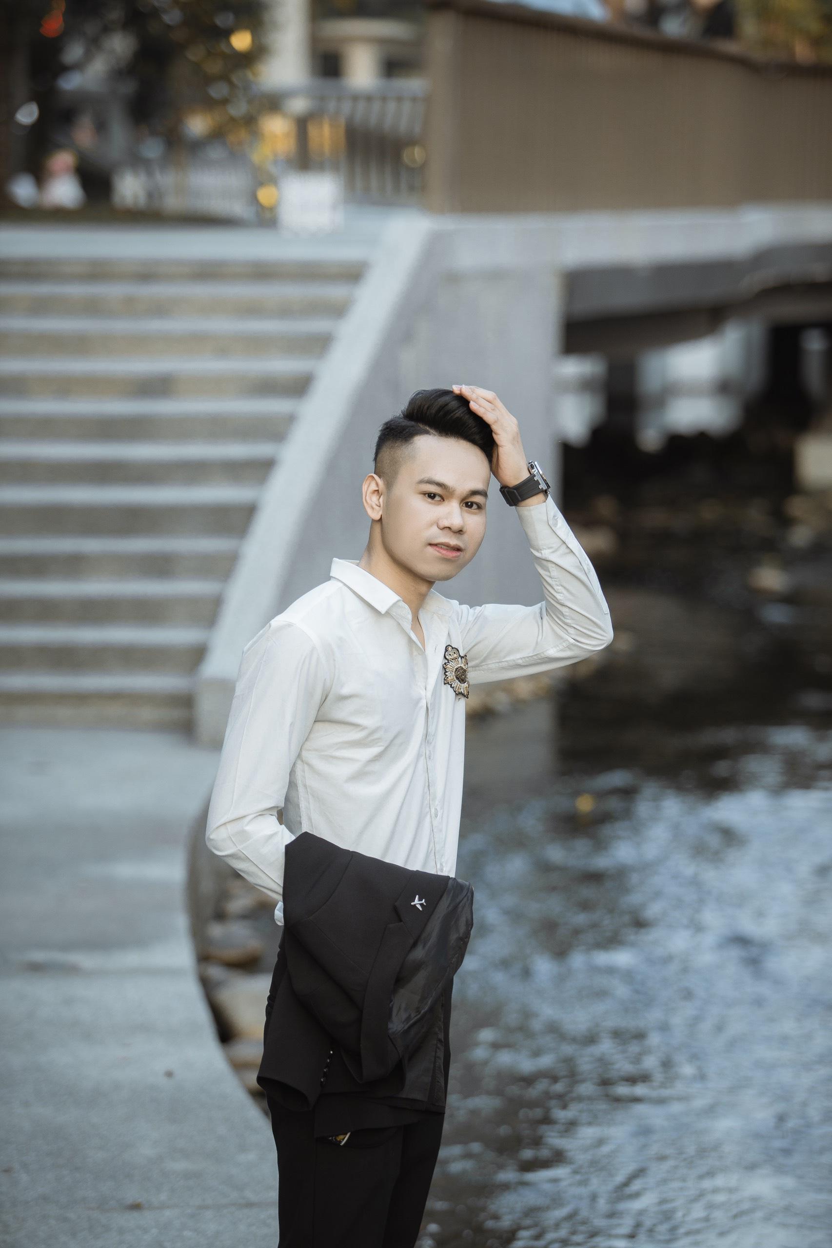 Nguyễn Thành Đạt chàng trai xứ Nghệ gây sốt MXH Facebook  - Ảnh 1.