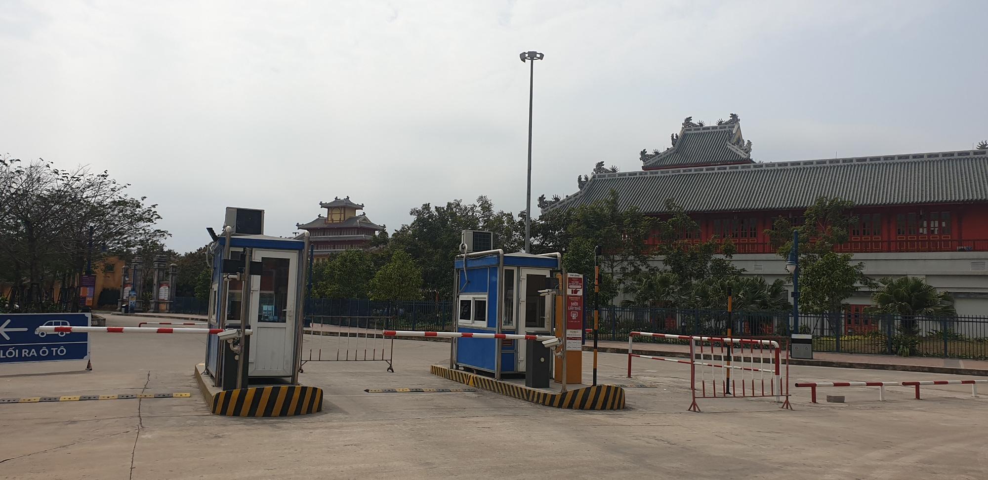 Những hình ảnh mới nhất từ Quảng Ninh sau khi phát hiện ca Covid-19 lây nhiễm trong cộng đồng  - Ảnh 6.