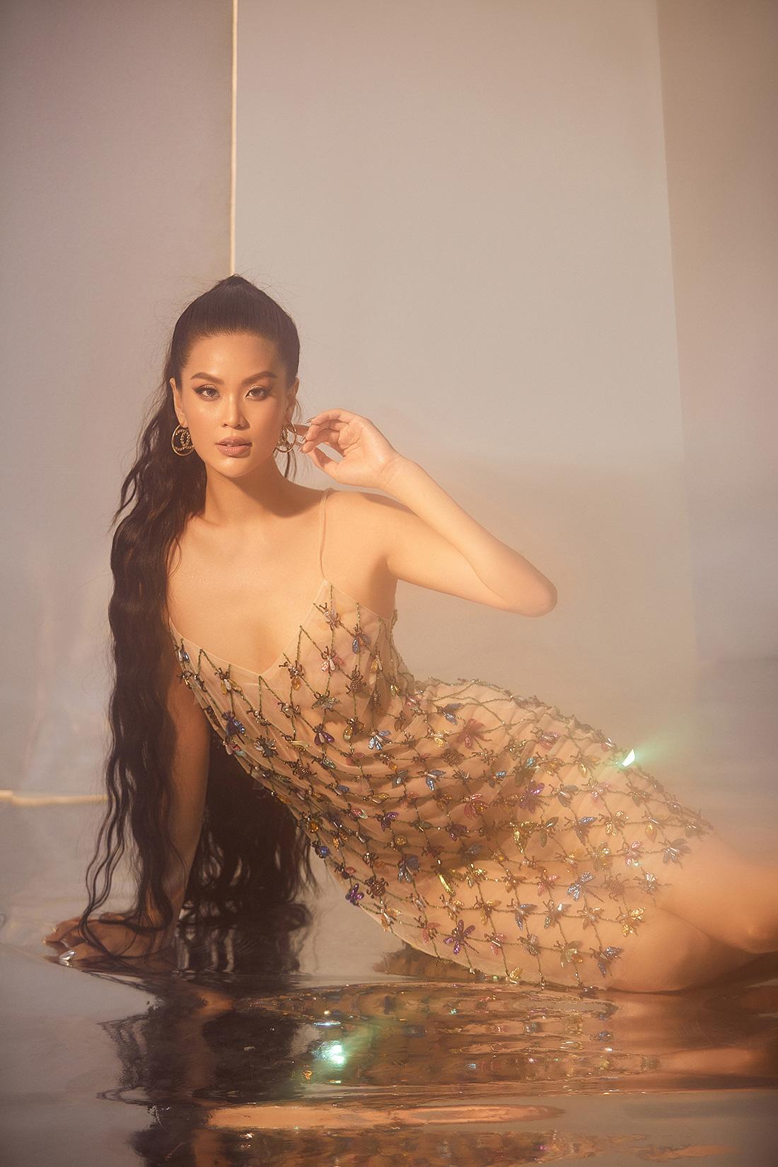 Hậu tránh dịch Covid-19 tại Ba Lan, Á hậu Diễm Trang comeback với bộ ảnh cực nóng bỏng - Ảnh 2.