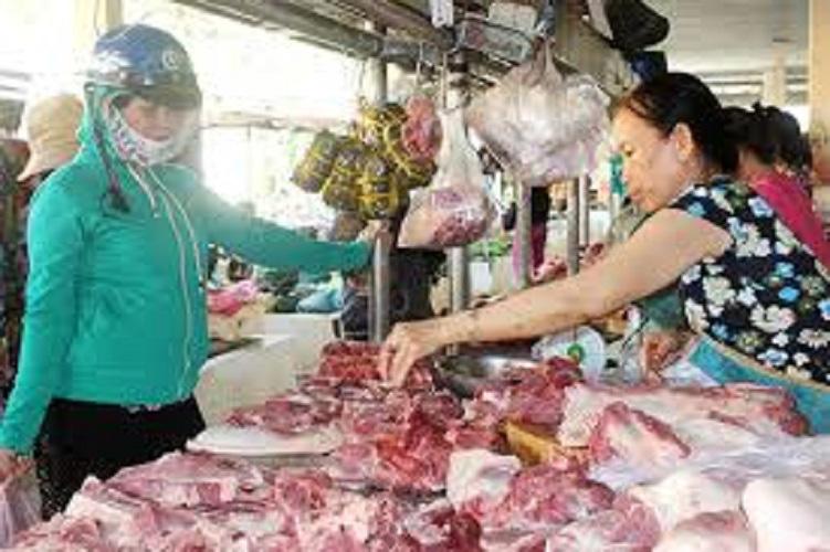 Thủ tướng yêu cầu bình ổn giá thịt heo - Ảnh 1.