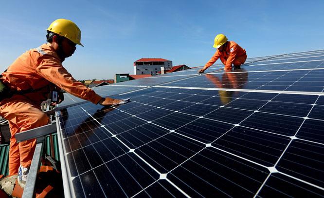 Dư thừa điện mặt trời: Có thể bán cho Lào, Thái Lan,… - Ảnh 1.