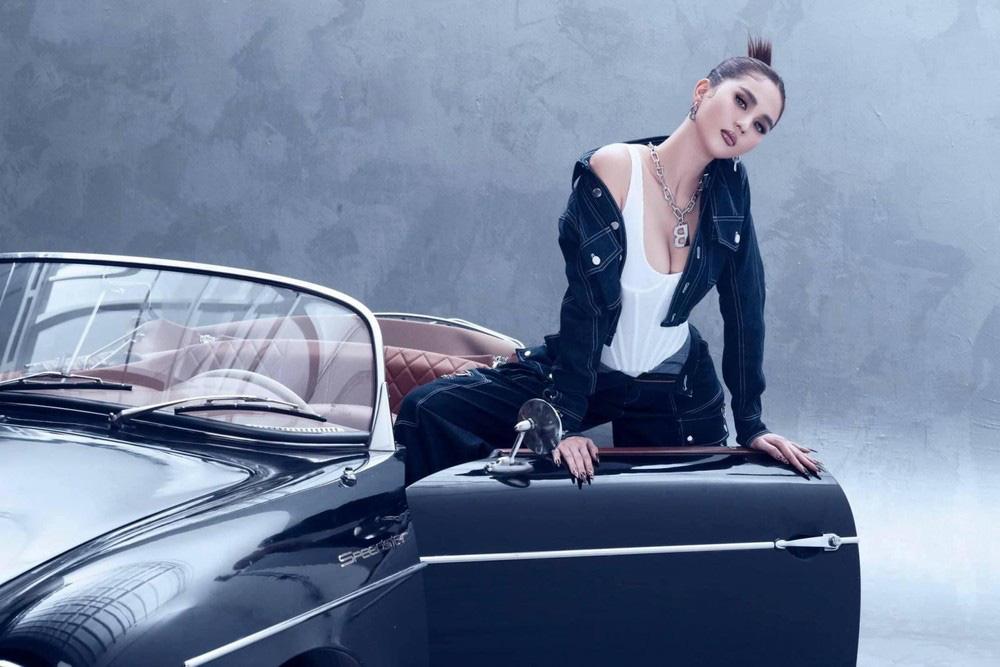 Ngọc Trinh tung bộ ảnh khó cưỡng bên xe Porsche cổ - Ảnh 5.