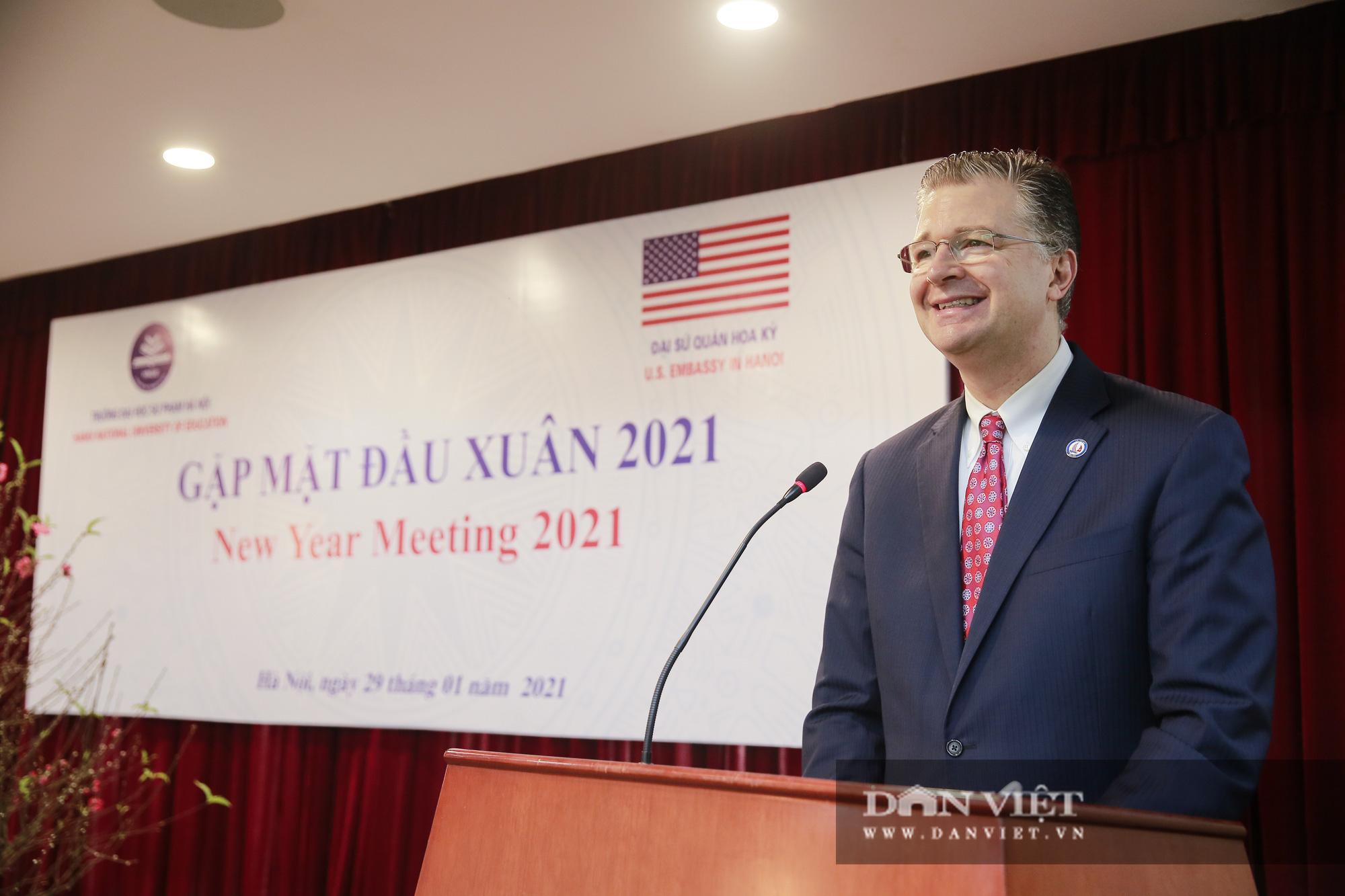 """Đại sứ Hoa Kỳ trao tặng cây đào đặc biệt tại nơi đào tạo ra những """"người lái đò"""" - Ảnh 3."""