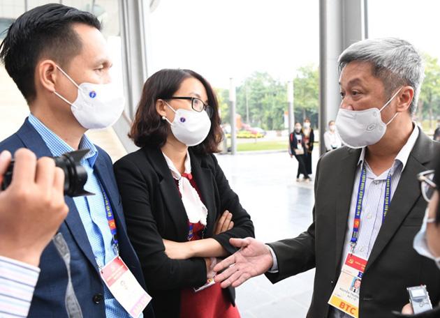 Thứ trưởng Bộ Y tế: Chưa thấy có mối liên hệ giữa ổ dịch ở Hải Dương với Quảng Ninh - Ảnh 1.