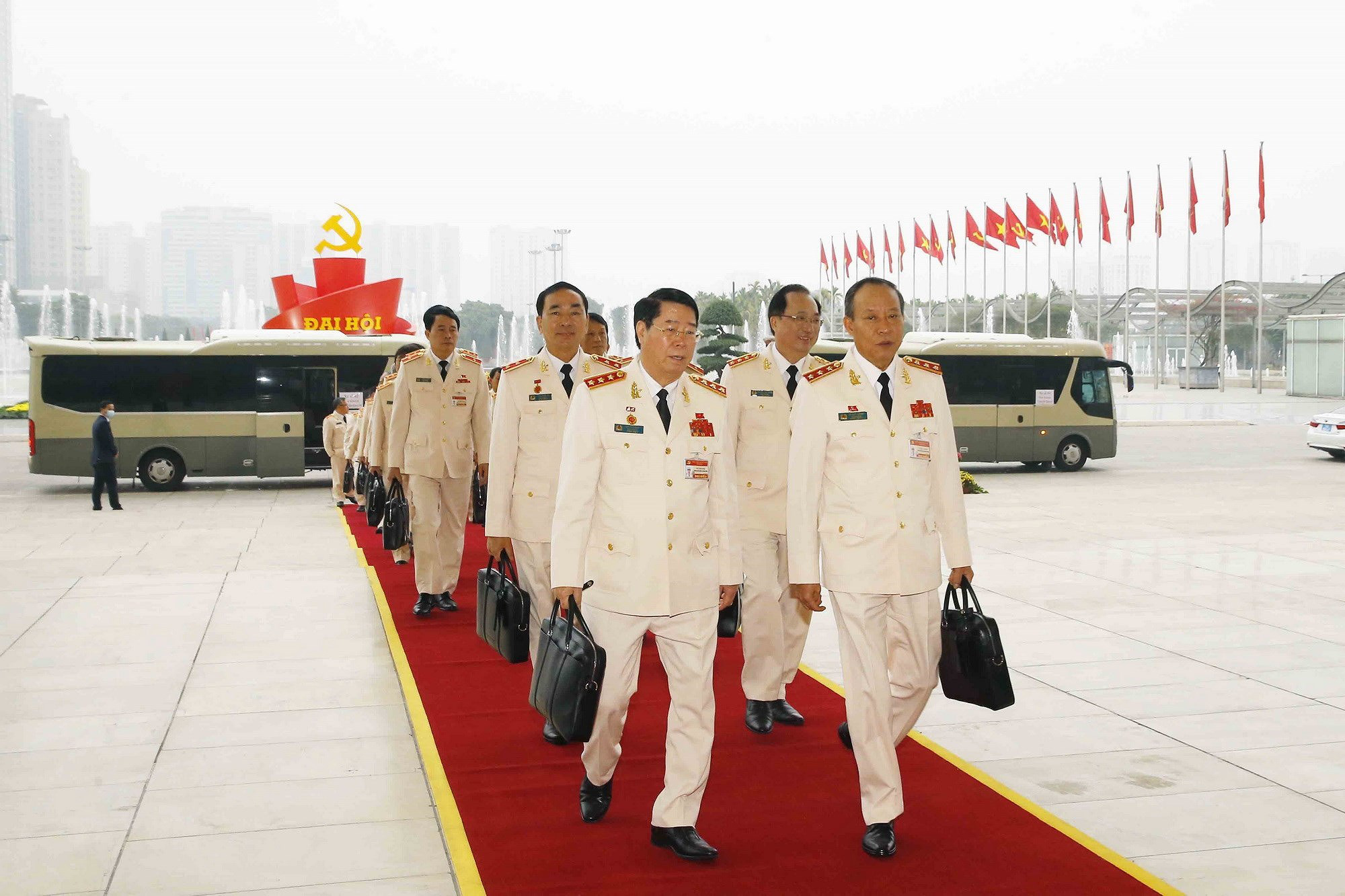 Ảnh: Ngày 29/1, Đại hội XIII tiếp tục làm việc về công tác nhân sự - Ảnh 15.