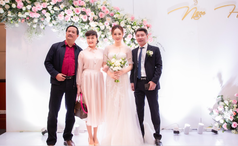 Toàn cảnh đám cưới lần ba của NSND Công Lý với cô dâu xinh đẹp kém 15 tuổi - Ảnh 4.