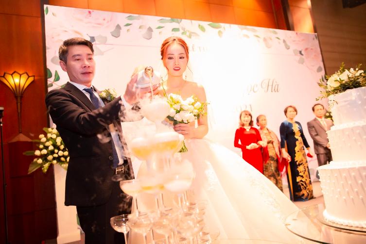 Toàn cảnh đám cưới lần ba của NSND Công Lý với cô dâu xinh đẹp kém 15 tuổi - Ảnh 11.