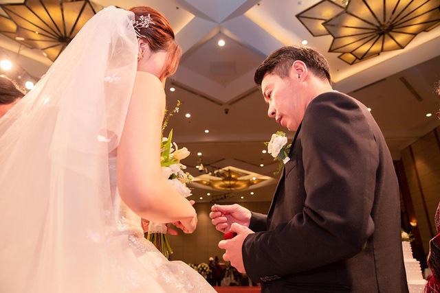 Toàn cảnh đám cưới lần ba của NSND Công Lý với cô dâu xinh đẹp kém 15 tuổi - Ảnh 10.