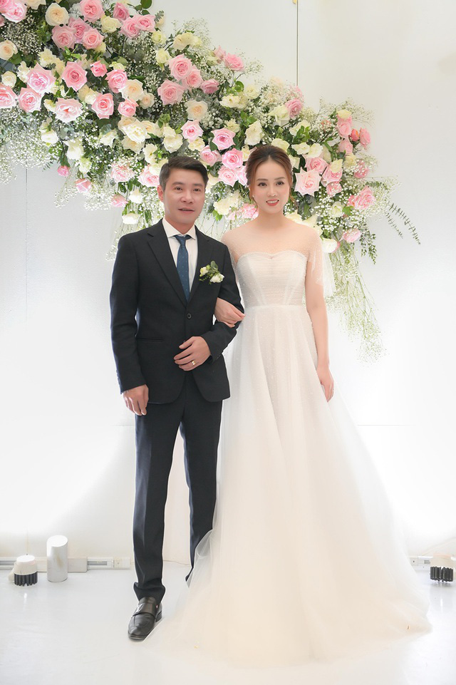 Toàn cảnh đám cưới lần ba của NSND Công Lý với cô dâu xinh đẹp kém 15 tuổi - Ảnh 8.