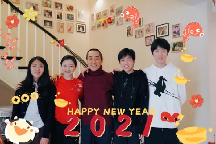Củng Lợi đón sinh nhật đêm giao thừa, nhà Trương Nghệ Mưu tung ảnh chào năm mới - Ảnh 6.