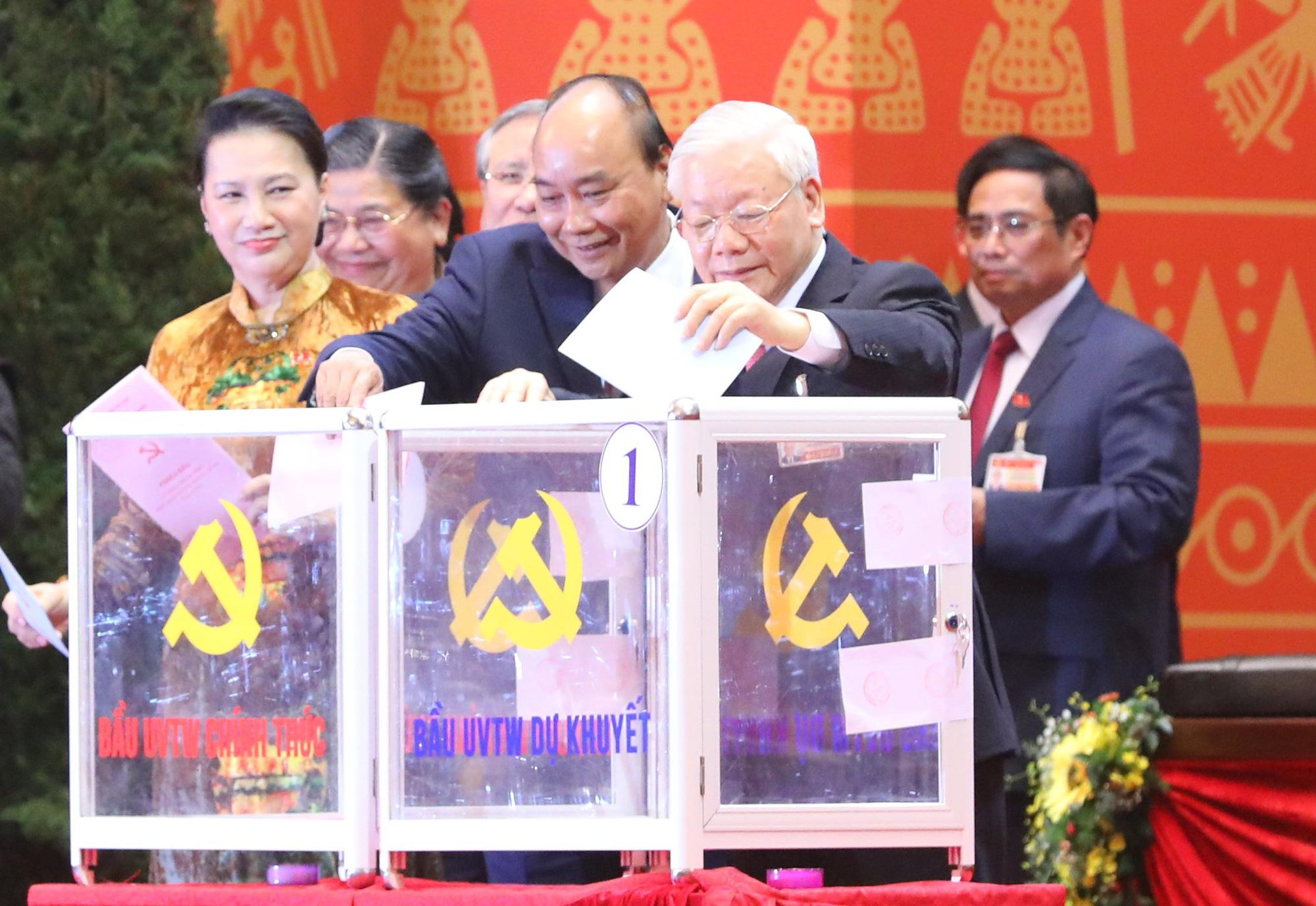 Đại hội XIII đã bỏ phiếu bầu Ban Chấp hành Trung ương khóa mới - Ảnh 1.