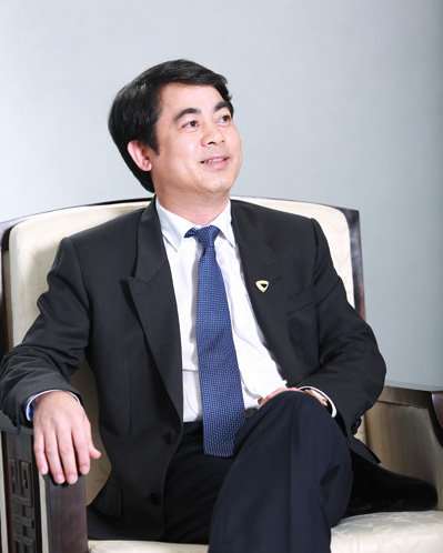 Chân dung 6 Uỷ viên Trung ương Đảng khoá XIII trưởng thành từ ngành ngân hàng - Ảnh 4.