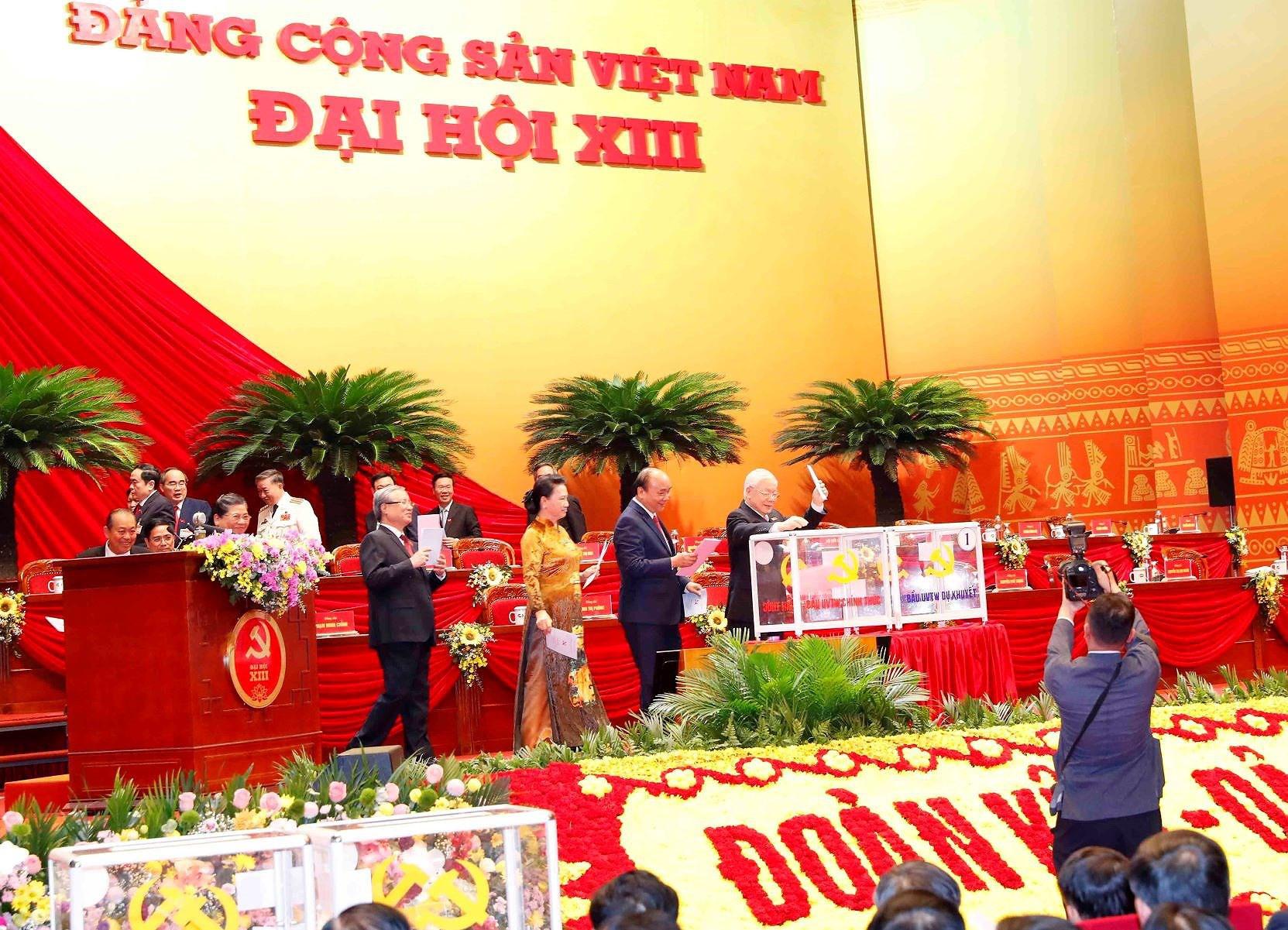 Đại hội XIII đã bỏ phiếu bầu Ban Chấp hành Trung ương khóa mới - Ảnh 4.