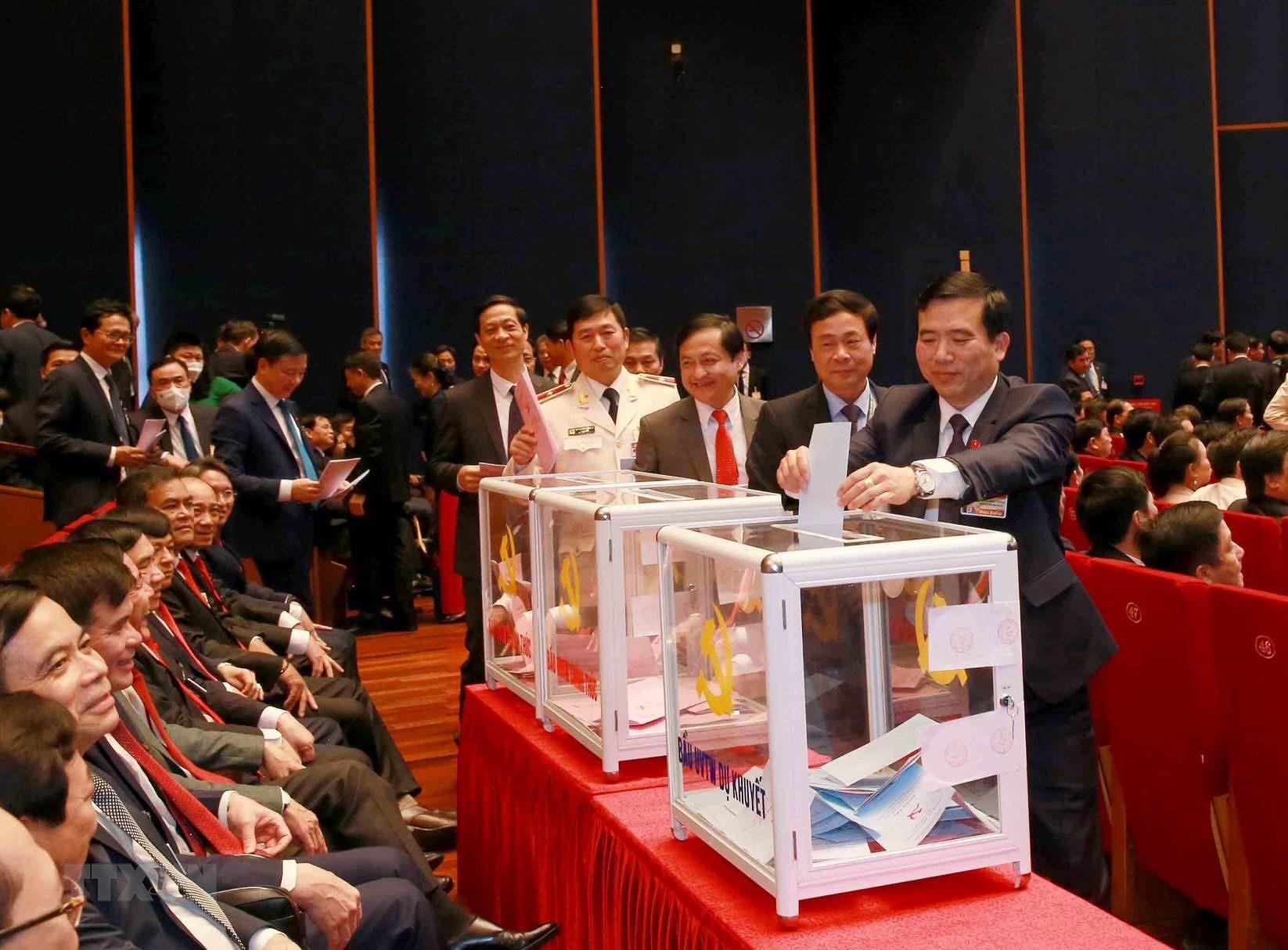 Đại hội XIII đã bỏ phiếu bầu Ban Chấp hành Trung ương khóa mới - Ảnh 9.