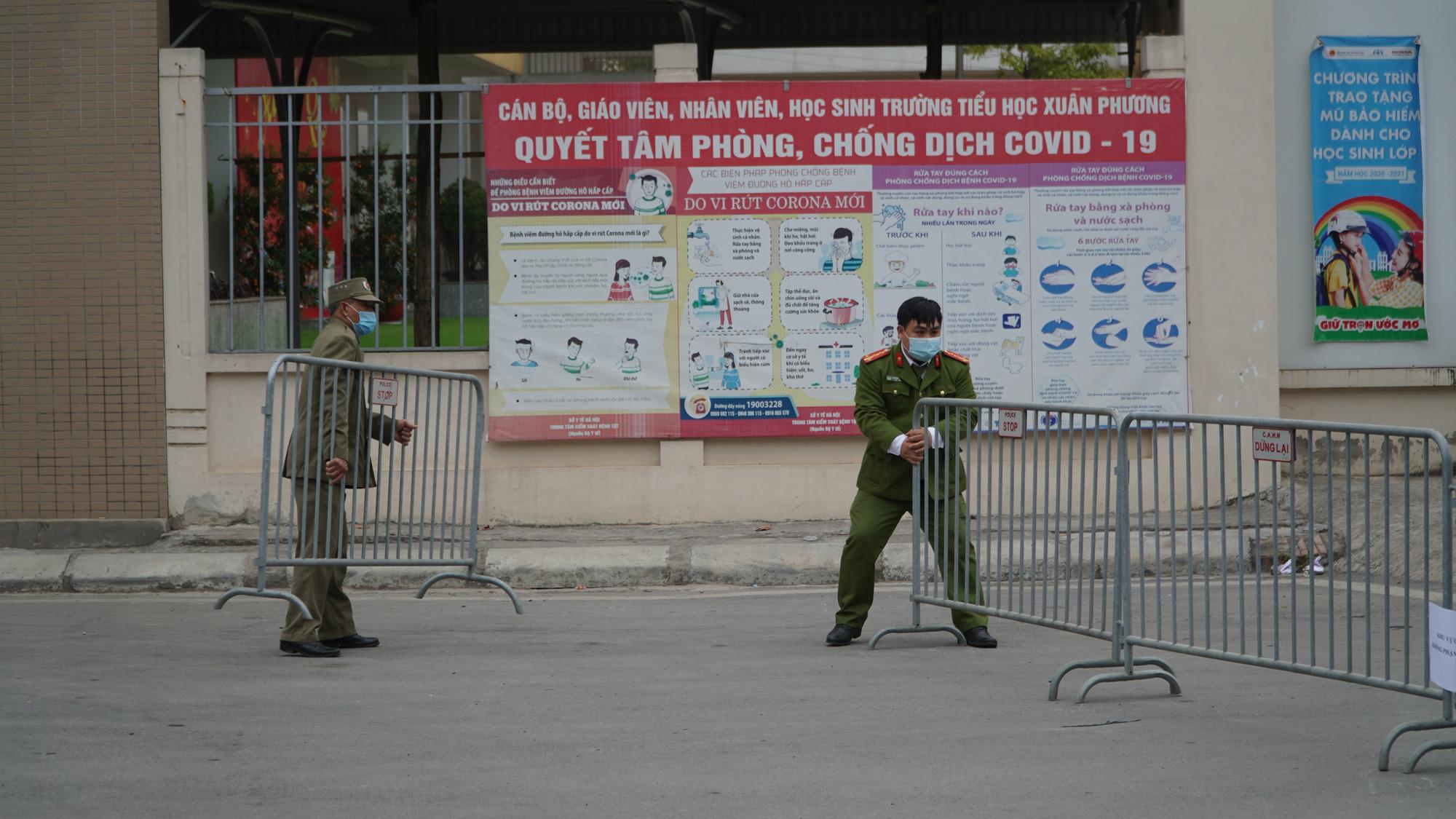 Thương con, nhưng không hoang mang: Phụ huynh học sinh trường TH Nam Xuân Phương nghiêm túc thực hiện cách ly - Ảnh 2.