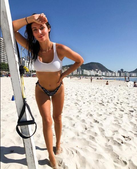 Dẻo miệng, cựu danh thủ Brazil cửa đổ bạn gái kém gần 2 giáp - Ảnh 10.