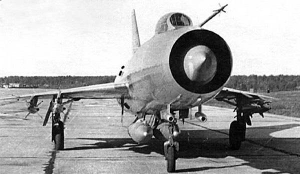 """Bí ẩn Su-9: Chiến đấu cơ """"hẩm hiu"""" bị quên lãng của Liên Xô - Ảnh 3."""