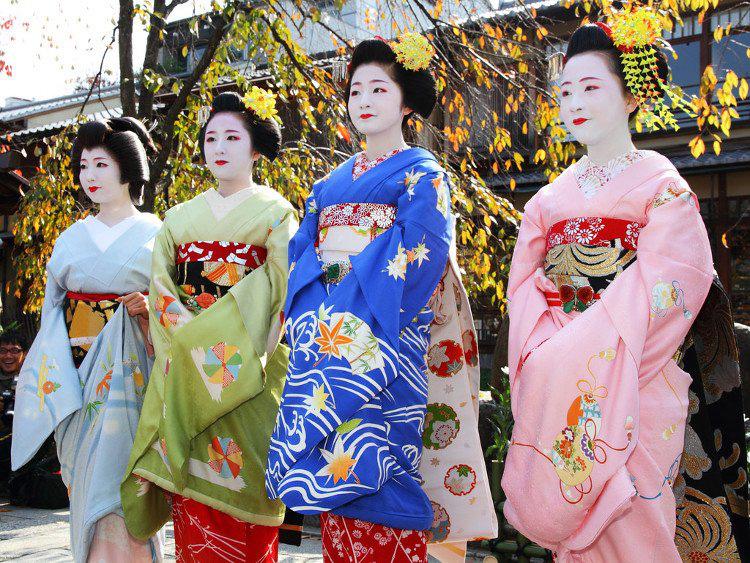 Vì sao Nhật Bản lại bỏ Tết cổ truyền để theo tết Tây? - Ảnh 2.