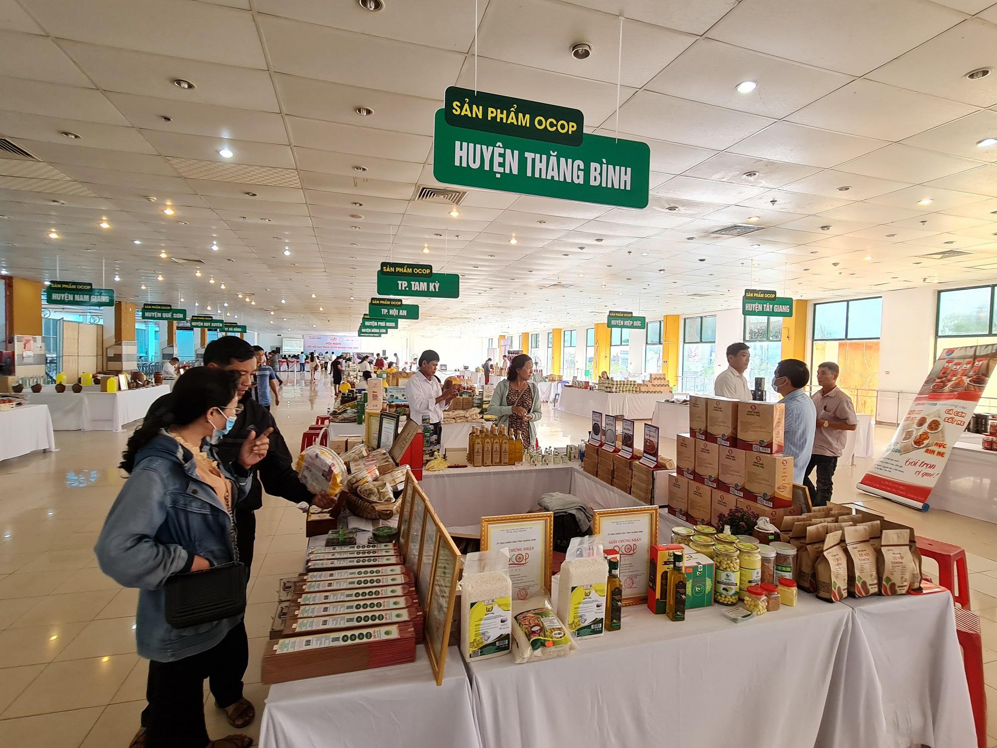 Hội chợ Xuân - OCOP Quảng Nam 2021 có 250 gian hàng - Ảnh 2.