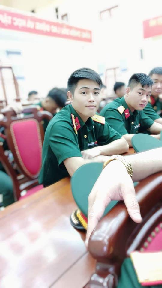 """Sau Mũi trưởng Nguyễn Việt Long, """"chú Ngạn"""" phiên bản quân ngũ khiến dân tình xao xuyến - Ảnh 2."""