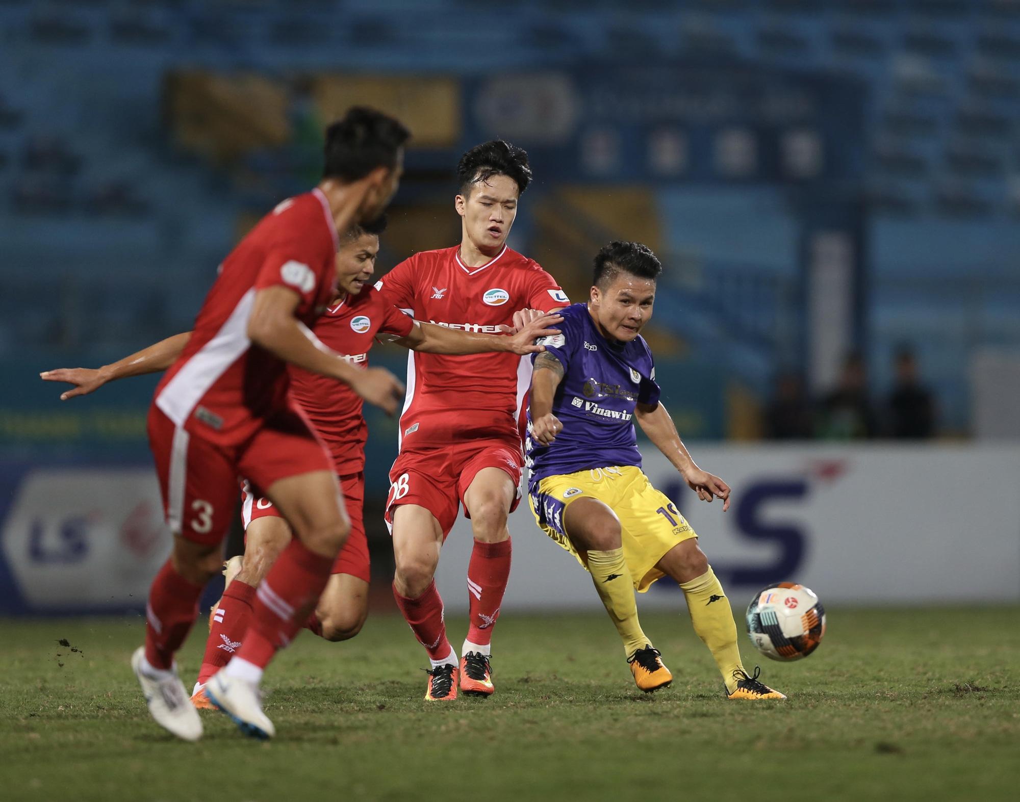 Bất ngờ với giá vé xem Siêu Cúp QG Hà Nội FC đấu Viettel - Ảnh 1.