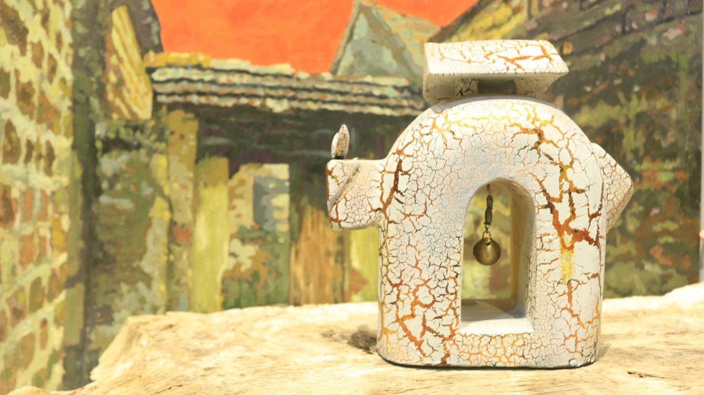 Đàn trâu gỗ dát vàng 1010 con ở ngôi làng cổ gần Hà Nội - Ảnh 4.