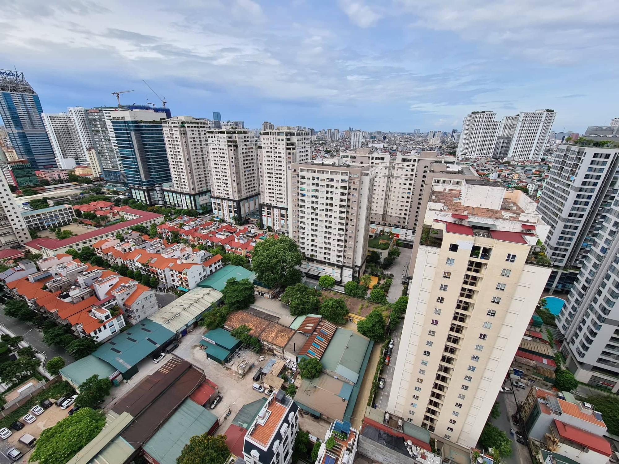 Bộ Xây dựng lý giải giá bất động sản vẫn tăng bất chấp dịch Covid-19 - Ảnh 2.