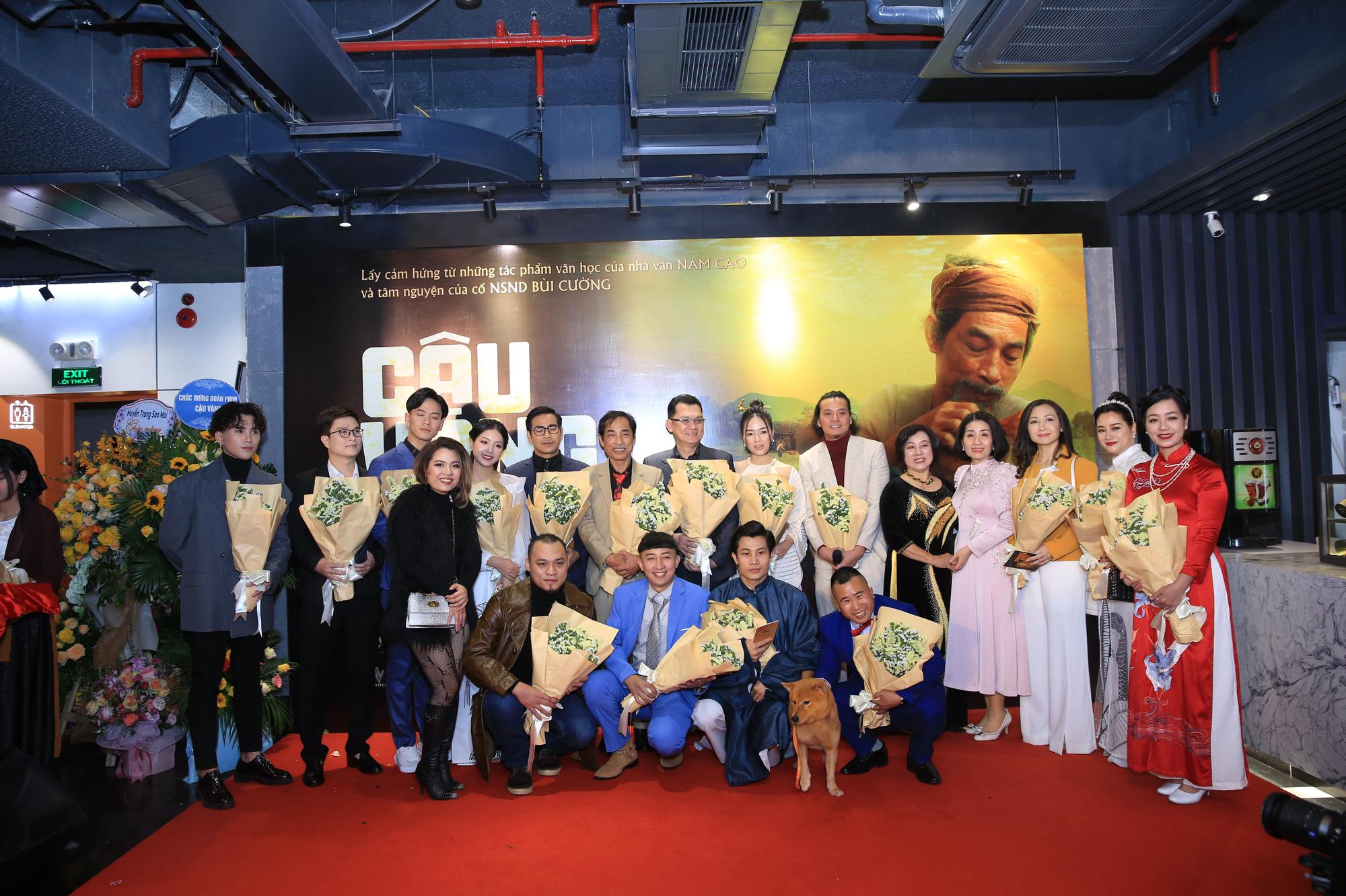 """Dàn diễn viên bắc nam đổ bộ tại buổi ra mắt """"Cậu Vàng"""" tại Hà Nội - Ảnh 1."""