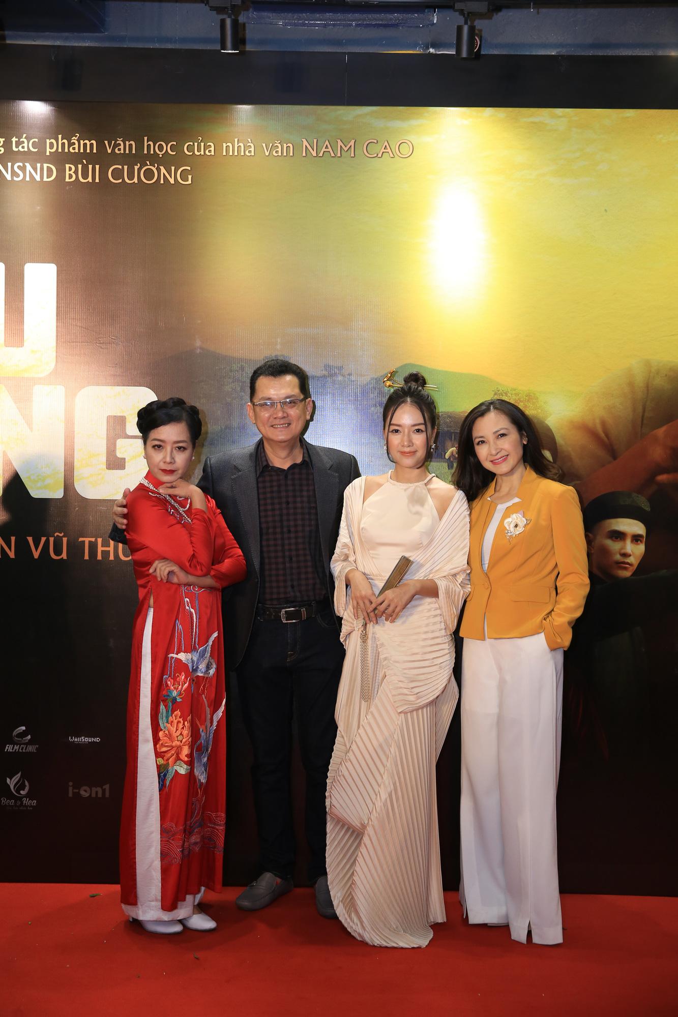 """Dàn diễn viên bắc nam đổ bộ tại buổi ra mắt """"Cậu Vàng"""" tại Hà Nội - Ảnh 2."""