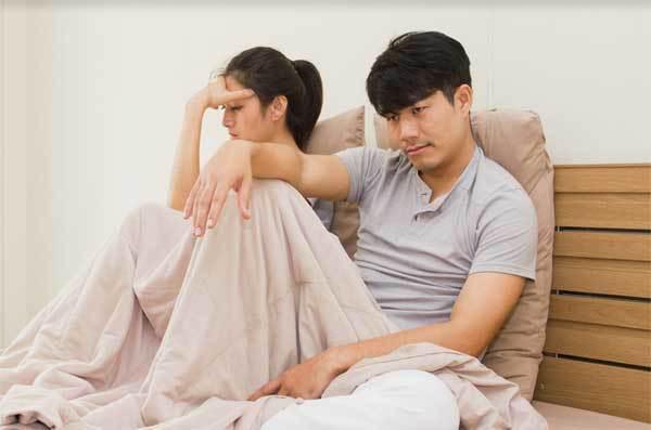 """Vợ lạnh nhạt cả năm trời, bỗng lao vào chồng như hổ đói vì lý do """"rụng rời"""" - Ảnh 1."""