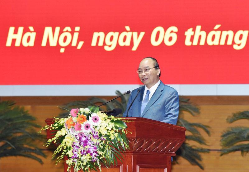 Chống Covid-19: Thủ tướng hoan nghênh việc tạm đình chỉ một Phó giám đốc Trung tâm Y tế ở Hà Nội - Ảnh 1.
