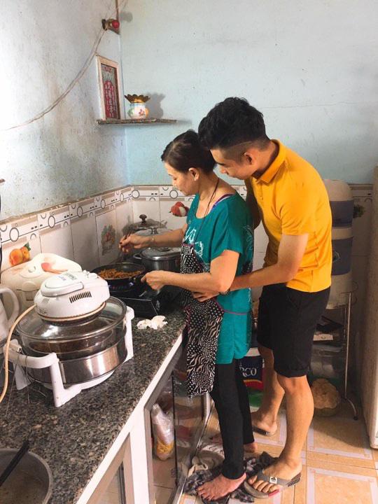 Liễu Quang Vinh: Bóng đá, nước mắt & trái tim của mẹ - Ảnh 9.